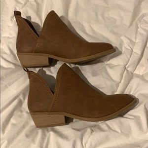 Shoes - Universal thread booties